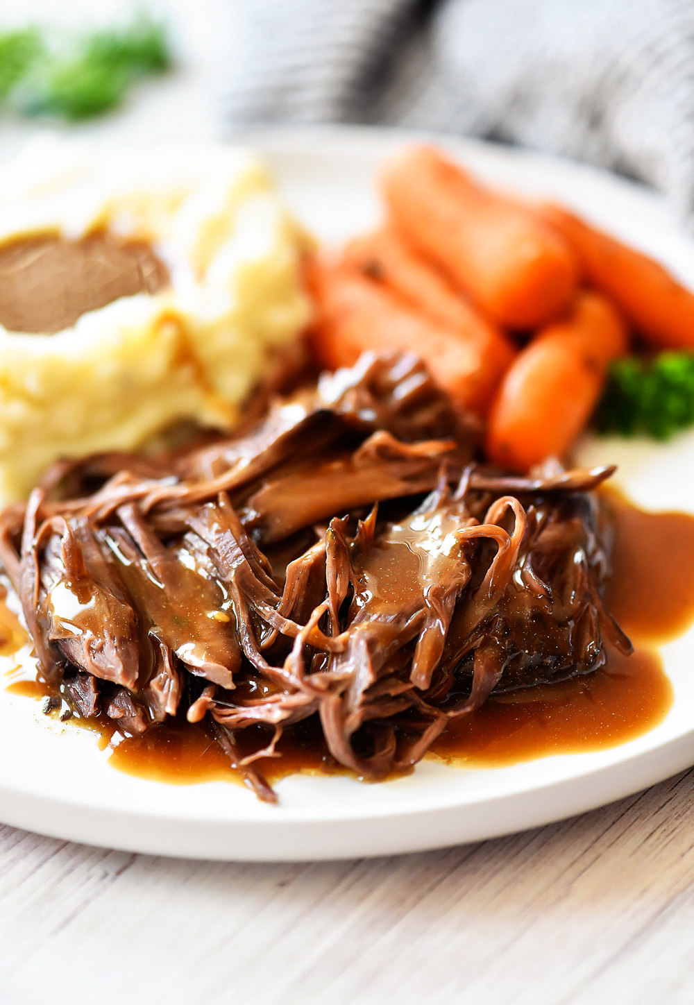 Three Packet Roast is a flavorful slow cooked roast that only requires a packet of Brown gravy mix, Italian Seasoning and Ranch dressing mix. Life-in-the-Lofthouse.com