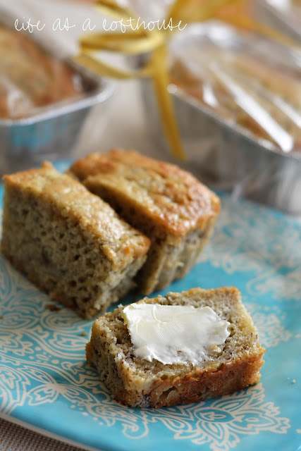The best Banana bread is moist and buttery bread full of banana flavor. Life-in-the-Lofthouse.com