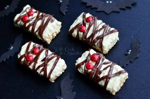 Double-Chocolate-Rice-Krispie-Mummies-2-c-willcookforsmiles_com-halloween-funtreats-ricekrispies