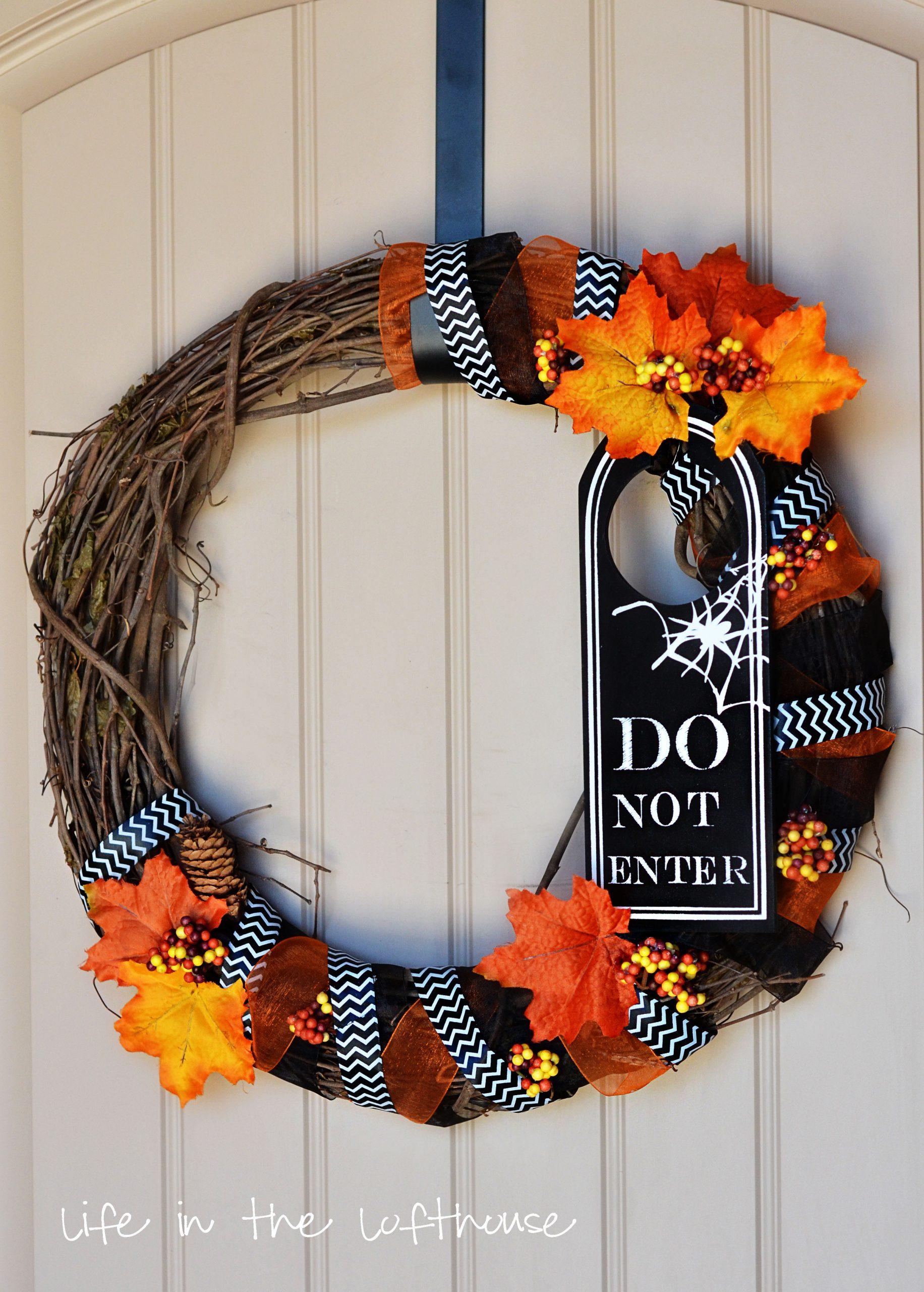 Design Halloween Wreath friday finds halloween wreath life in the lofthouse wreath2