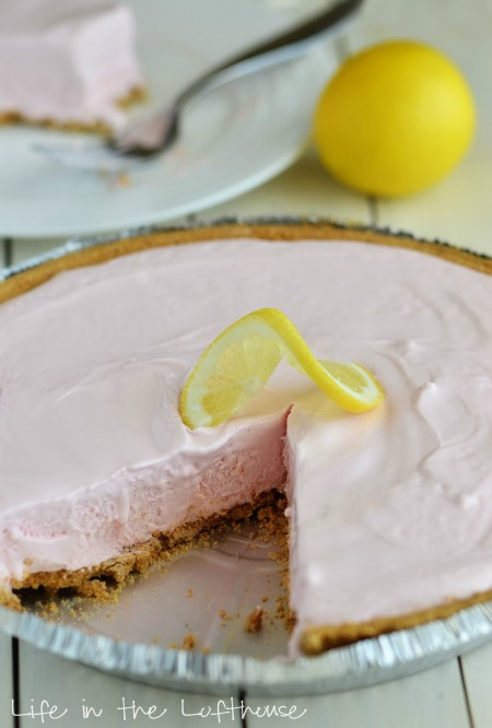 Frozen pink lemonade pie is a refreshing and creamy pie that tastes just like frozen pink lemonade and is made with only 4 ingredients. Life-in-the-Lofthouse.com