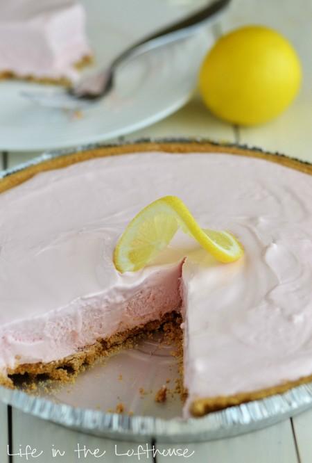 Frozen Pink Lemonade Pie