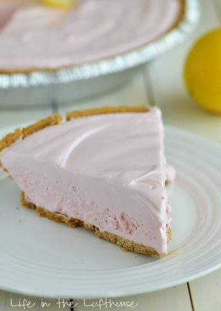 Frozen Pink Lemonade Pie