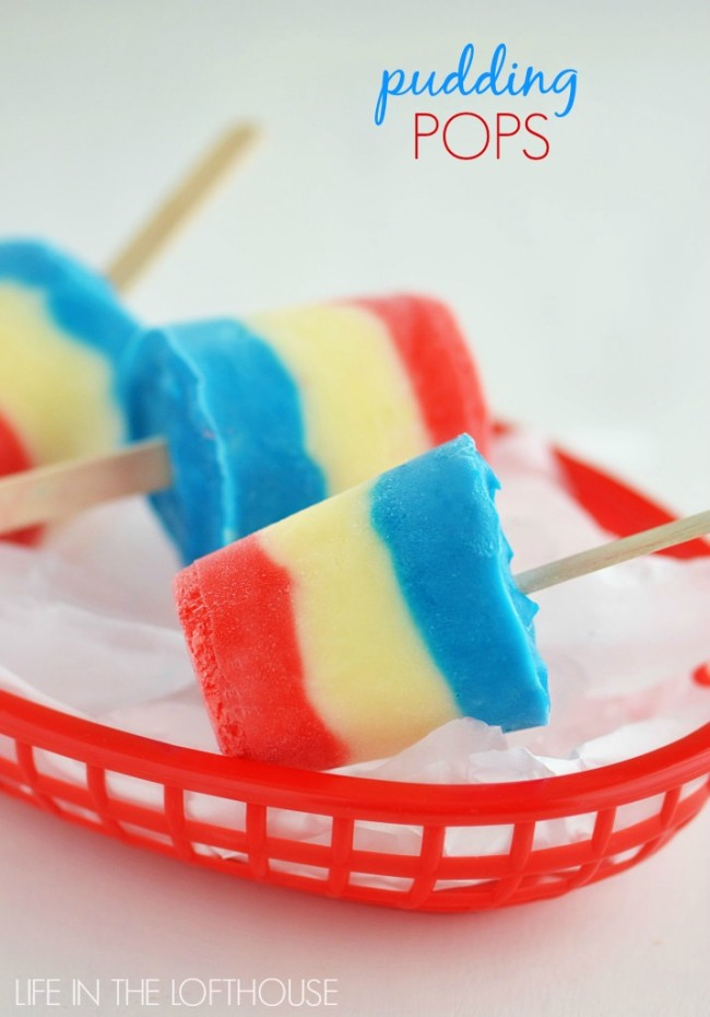 Delicious and creamy red, white and blue vanilla pudding pops made with only 3 ingredients. Life-in-the-Lofthouse.com