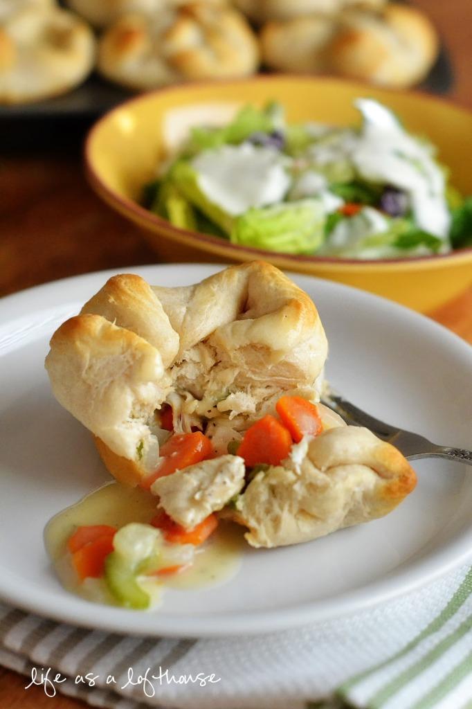 chicken-pot-pie-biscuits (1)