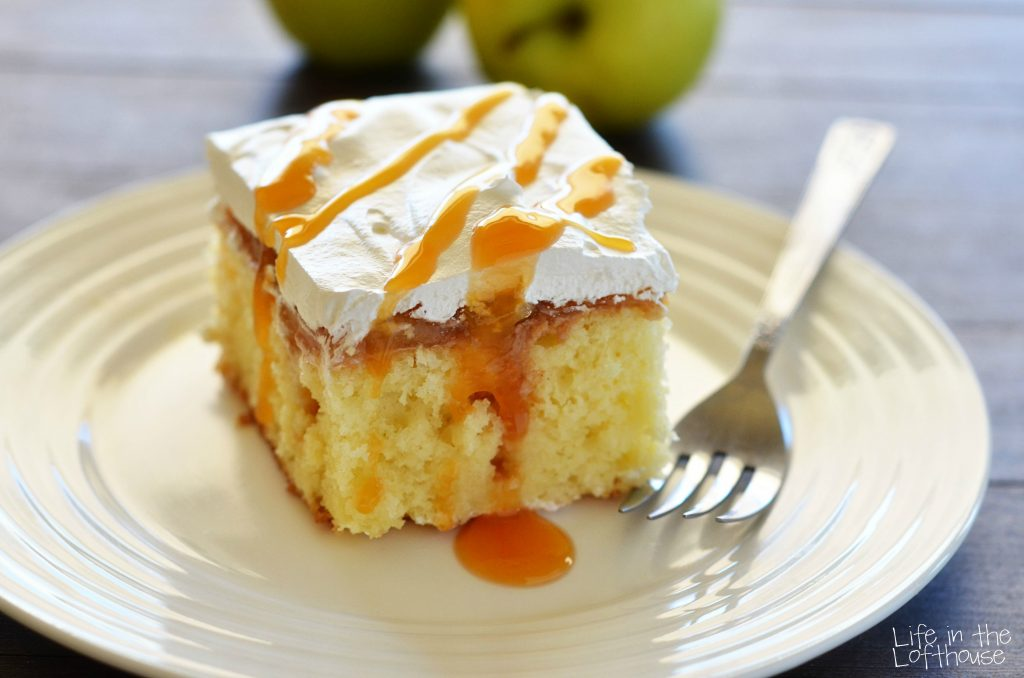 Caramel_Apple_Poke_Cake_1LifeInTheLofthouse