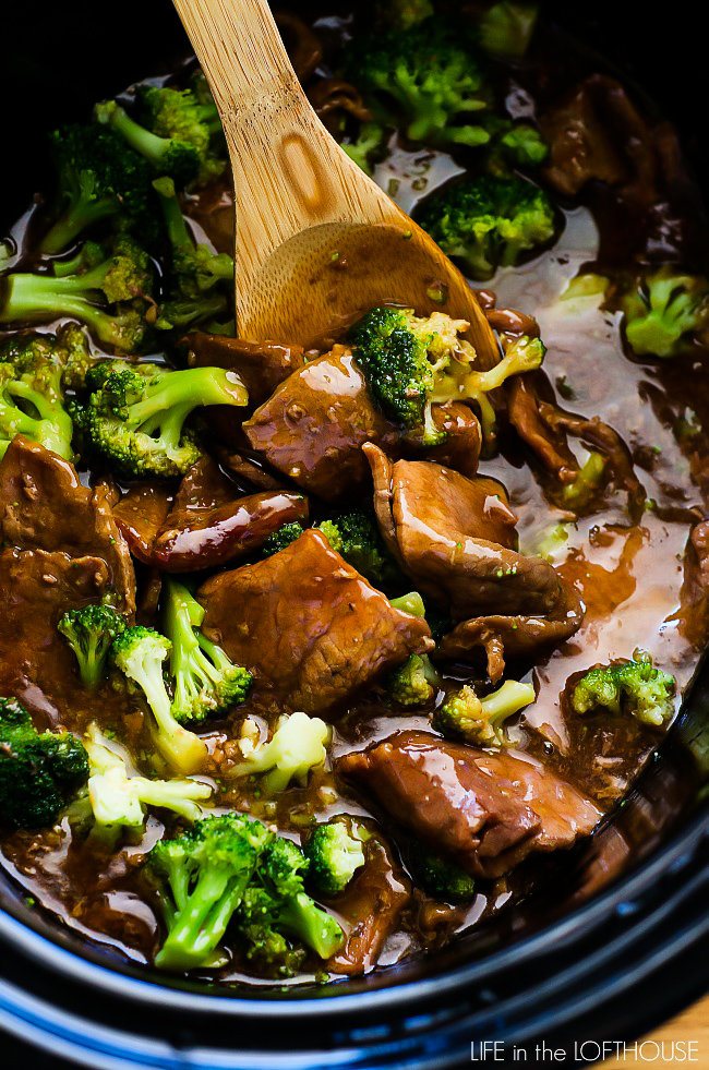 Tender beef and broccoli cook together in a Crock Pot slow cooker. Life-in-the-Lofthouse.com