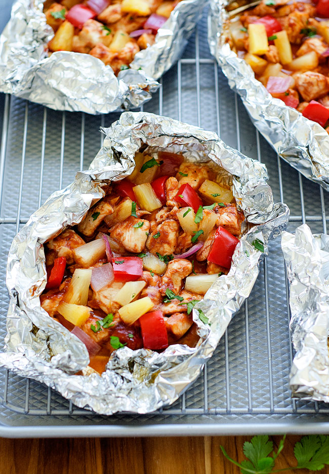 Flavorful barbecue chicken and colorful veggies wrapped in a foil pack. Life-in-the-Lofthouse.com