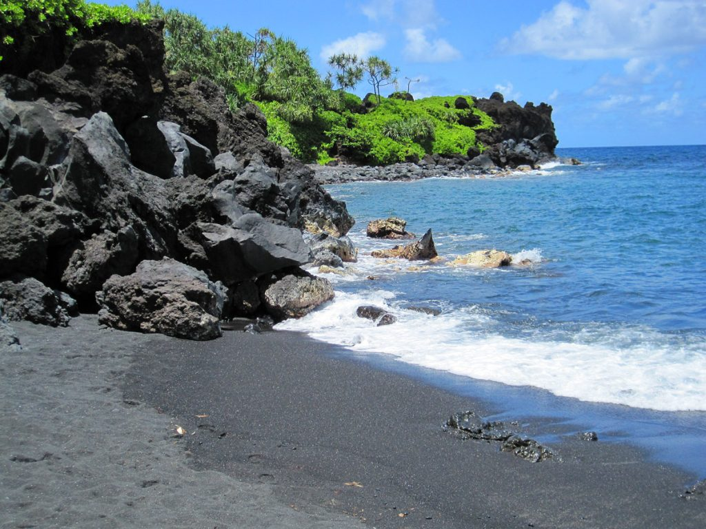Black_Sand_Beach1_Maui