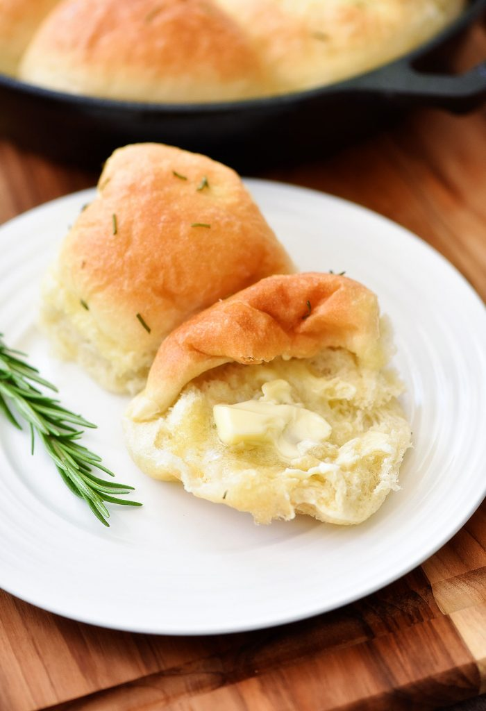 These Rosemary Rolls are fluffy and buttery with a hint of rosemary flavor. Life-in-the-Lofthouse.com