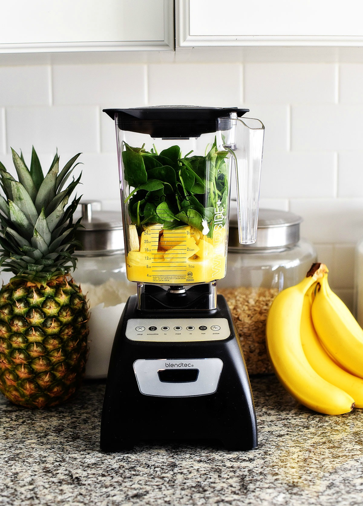 This Detox Green Smoothie is full of delicious spinach, fruit and protein. Life-in-the-Lofthouse.com