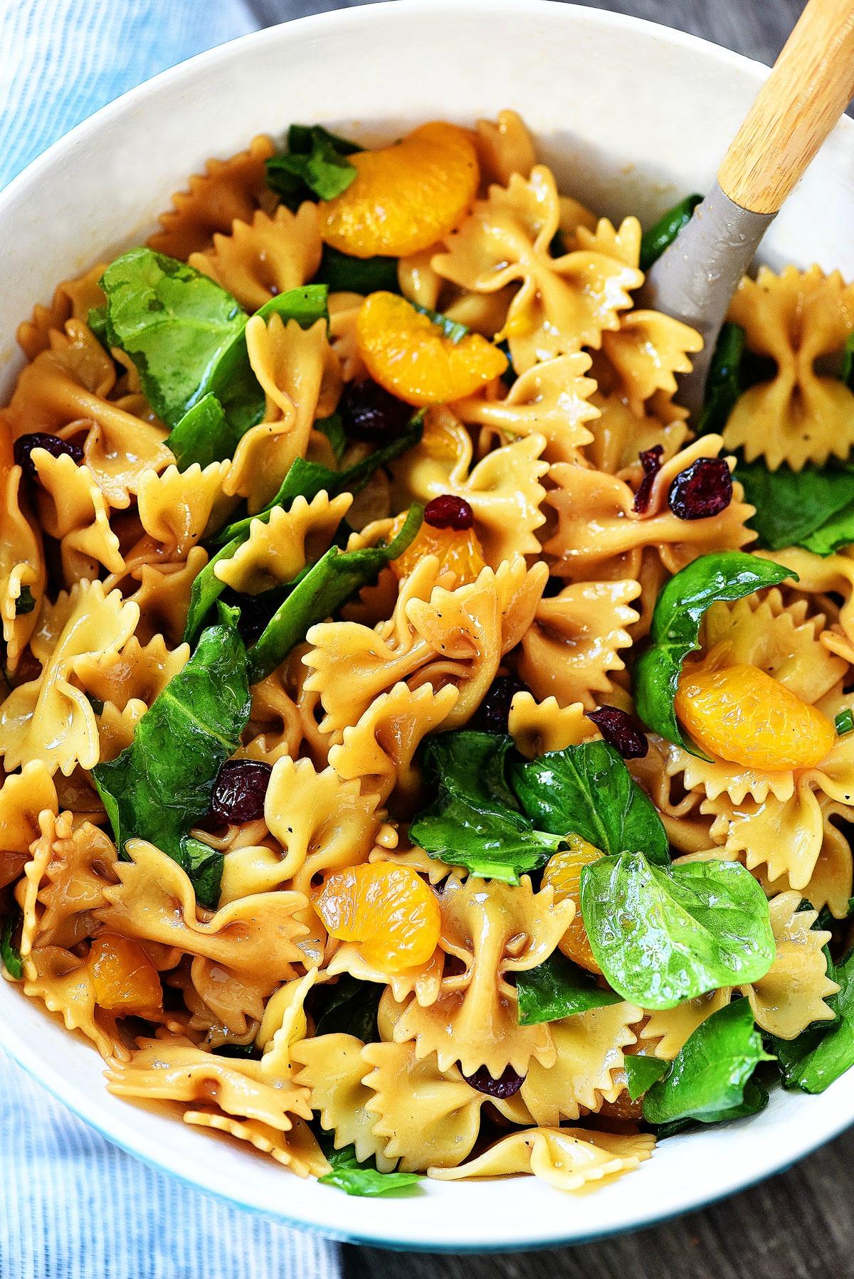 Mandarin Orange Spinach Pasta Salad