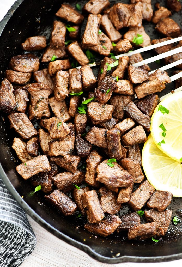 Lemon Garlic Steak Bites are tender and juicy pieces of steak packed with lemon and garlic flavors. Life-in-the-Lofthouse.com